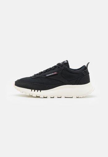 CLASSIC LEGACY GROW UNISEX - Sneakers basse - core black/chalk