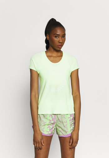 ICON CLASH MILER  - T-shirts med print - lime glow/clear
