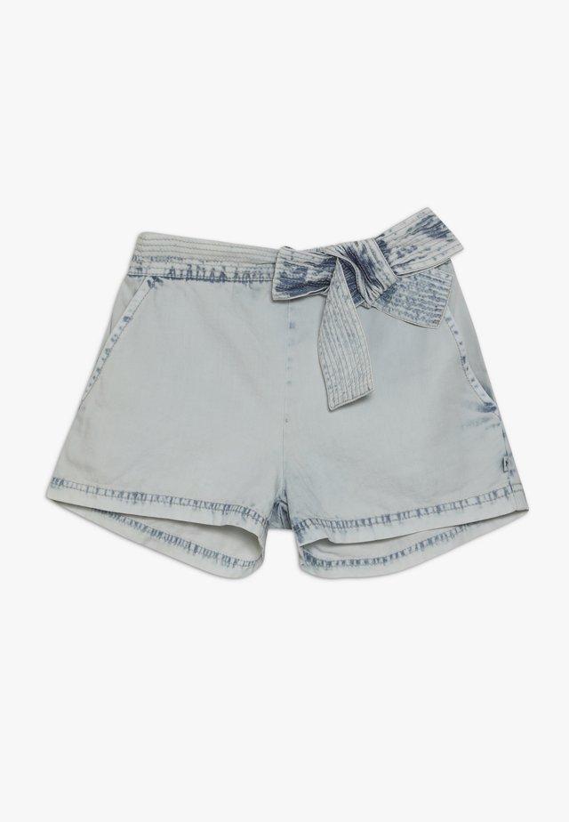 ALYSSE - Jeans Shorts - denim bleached