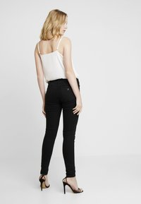 Guess - CURVE - Jeans Skinny Fit - groovy - 2