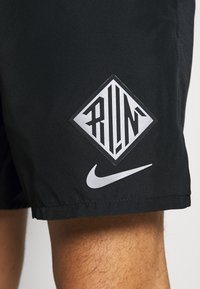 Nike Performance - Korte broeken - black/reflective silver - 5