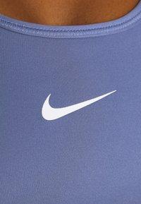 Nike Performance - BRA - Sujetadores deportivos con sujeción media - world indigo/white - 4