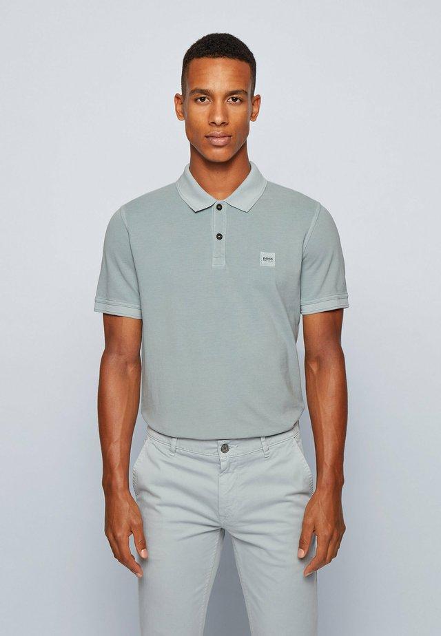 PRIME - Polo shirt - light grey