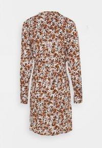 PIECES Tall - PCFRIDINEN DRESS - Shirt dress - mocha bisque - 6