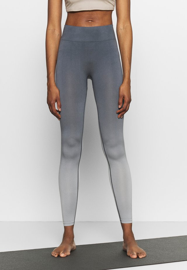 SEAMLESS LEGGINGS - Legging - ombre blue