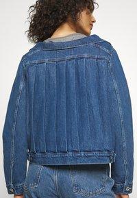 Levi's® Made & Crafted - OFF THE SHOULDR - Jeansjakke - blue denim - 5