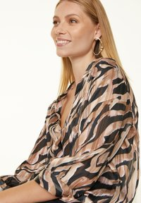 comma - Blouse - black zebra lines - 3