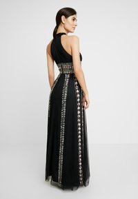 Maya Deluxe - EMBELLISHED HIGH NECK MAXI DRESS - Galajurk - black/multi - 3