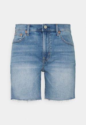 5 INCH MR COOPER - Jeansshorts - medium indigo
