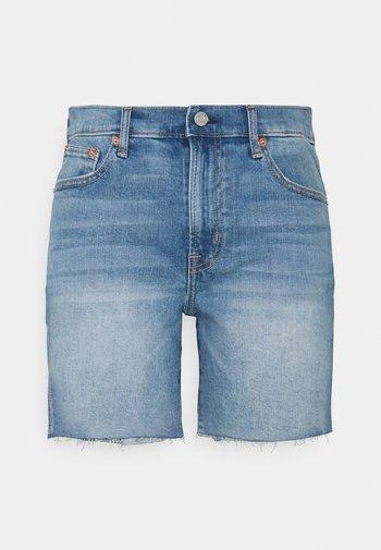 5 INCH MR COOPER - Denim shorts - medium indigo