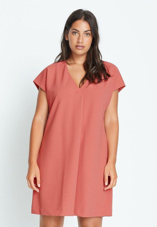VIVIAN - Day dress - rosa