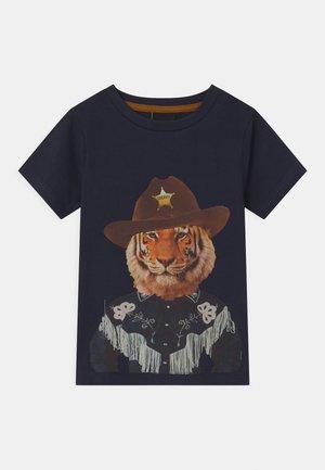 TUCKER - T-Shirt print - navy blazer