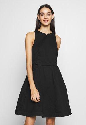 CORE FIT & FLARE SHORT SLEEVE DRESS - Denim dress - dark black