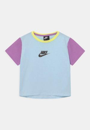 CROP - Camiseta estampada - glacier blue/violet shock