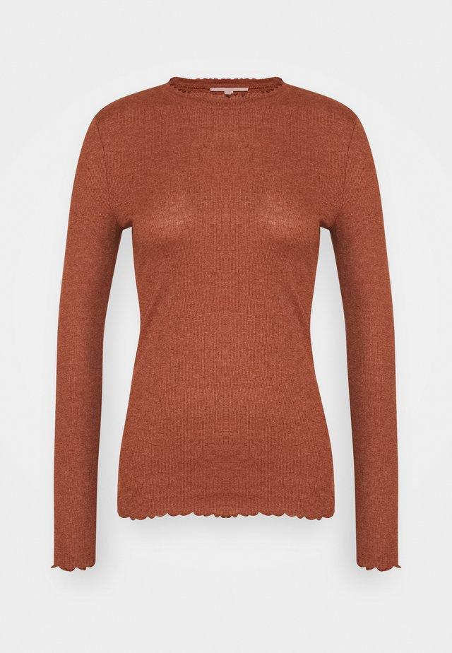LONGSLEEVE WITH FRILLED EDGES - Long sleeved top - rust orange melange