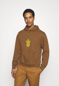 WAWWA - UNISEX LEAF HOOD - Sweatshirt - bark brown - 0