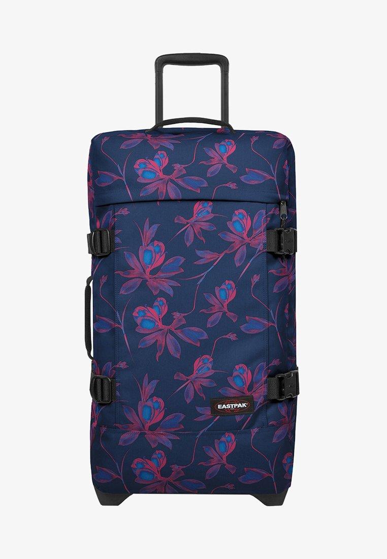 Eastpak - TRANVERZ M GLOWING GARDEN  - Wheeled suitcase - glow pink