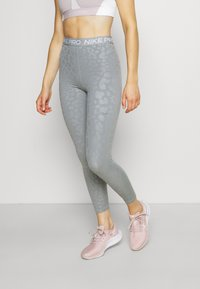 Nike Performance - Leggings - particle grey/white - 0
