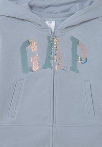 GAP - LOGO FLIPPY - Zip-up sweatshirt - ice blue - 2