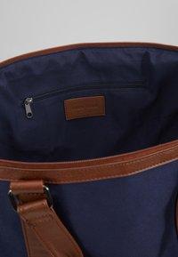 Pier One - UNISEX - Weekendbag - dark blue/cognac - 4