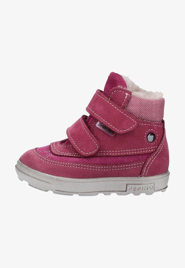 Baby shoes - fuchsia
