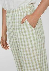Vero Moda - Trousers - snow white - 3