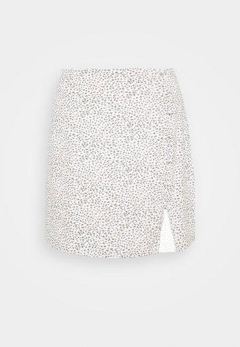 ALINE - Áčková sukně - white