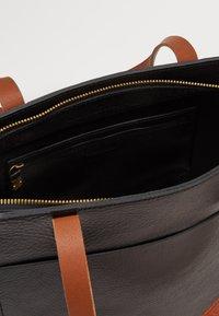 Madewell - MEDIUM TRANSPORT TOTE ZIPPER - Handbag - true black/brown - 3