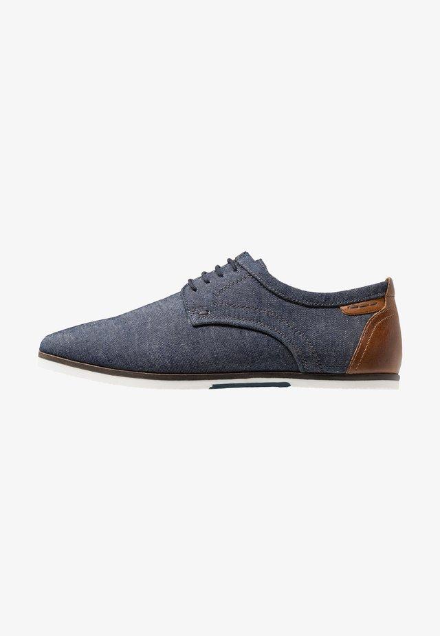 Volnočasové šněrovací boty - denim