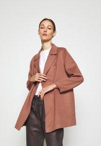 Theory - CLAIRENE LUXE NEW - Classic coat - dark rose - 0