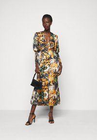 Never Fully Dressed Tall - BLOOM PRINT LINDOS DRESS - Day dress - navy/multi - 1