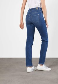 MAC Jeans - DREAM - Straight leg jeans - mid blue - 7