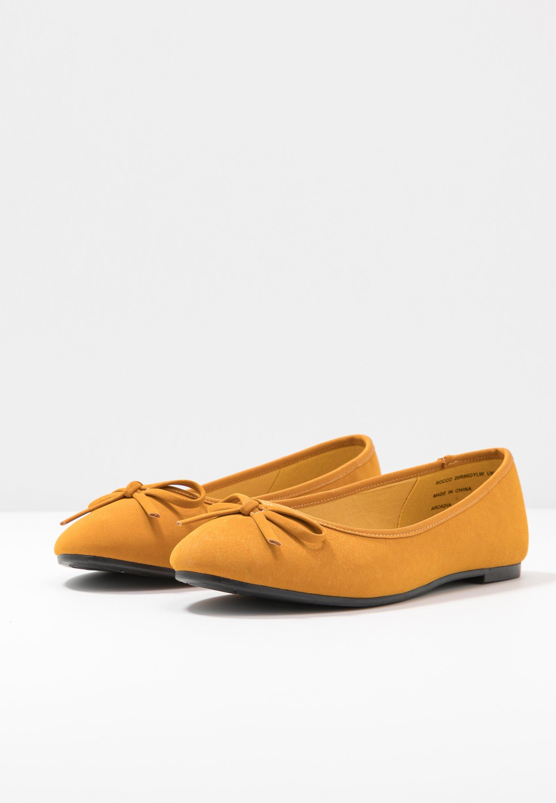 WIDE FIT ROCCO Ballerinaskor mustard