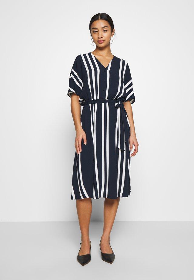 SLFVIENNA SHORT DRESS - Korte jurk - dark sapphire/snow white