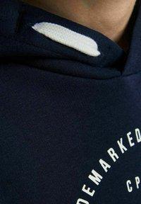 Jack & Jones Junior - Hættetrøjer - navy blazer - 4