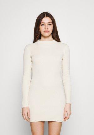 HIGH NECK OPEN BACK DRESS DOUBLEBOW TIE - Etui-jurk - beige