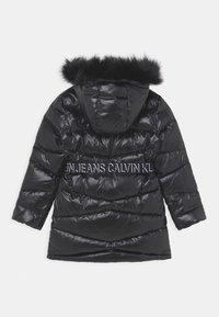 Calvin Klein Jeans - BELTED LONG COAT - Daunenmantel - black - 1