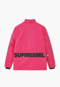 SuperRebel - SUSTAINABLE PLAIN UNISEX - Snowboardová bunda - fluo pink - 2