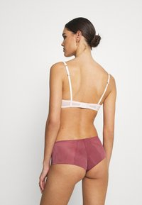 Triumph - SPOTLIGHT BANDEAU BRIEF - Slip - wild raspberry - 0