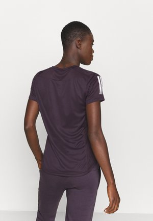 OWN THE RUN TEE - Print T-shirt - purple