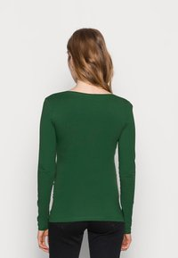 Anna Field MAMA - V NECK BASIC LONG SLEEVE TOP - Camiseta de manga larga - green - 2