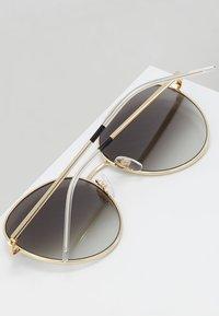 Tommy Hilfiger - Okulary przeciwsłoneczne - gold-coloured/black - 3
