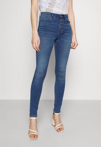 ONLROYAL LIFE - Jeansy Skinny Fit - light medium blue denim