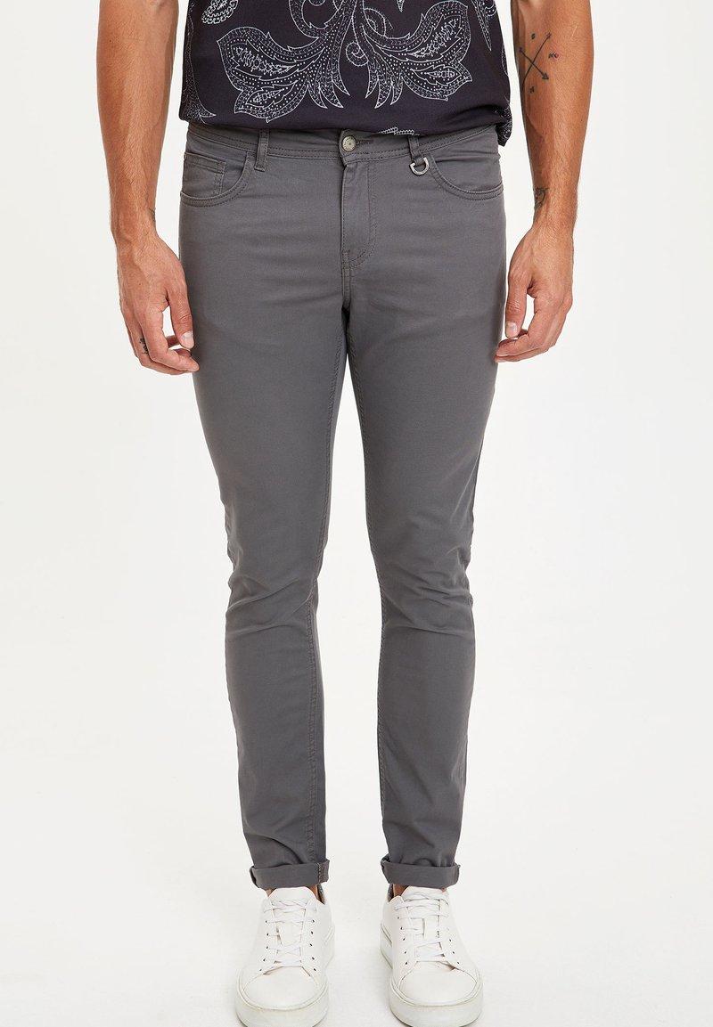 DeFacto - MAN - Trousers - grey