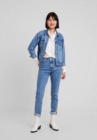 Calvin Klein Jeans - PATCHWORK PRINT WESTERN - Chemisier - orange/mint - 1