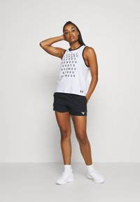 Under Armour - PROJECT ROCK TRAIN SHORTS - Sports shorts - black/summit white - 1