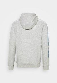 Nike Sportswear - HOODIE - Zip-up sweatshirt - grey heather/summit white/infrared - 1