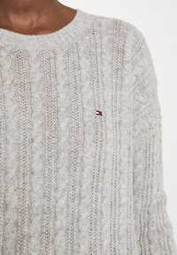 Tommy Hilfiger - CABLE - Jumper - light grey heather - 6
