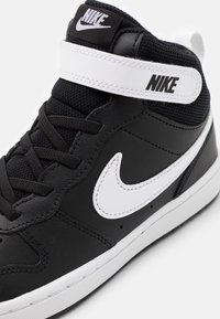 Nike Sportswear - COURT BOROUGH MID 2 UNISEX - Sneakers hoog - black/white - 5