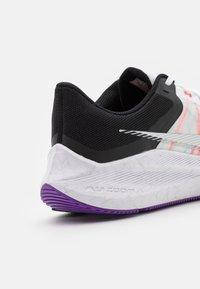 Nike Performance - WINFLO 8 - Neutrale løbesko - white/metallic silver/black/chlorine blue/flash crimson/wild berry - 5